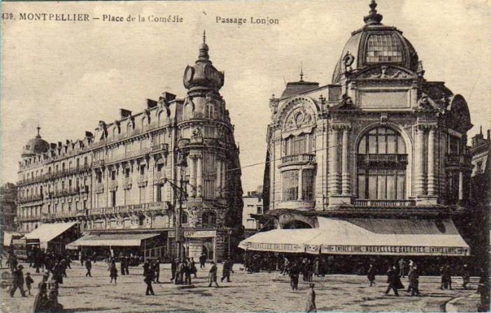 Montpellier - Place de la Comédie - Nouvelles Galeries